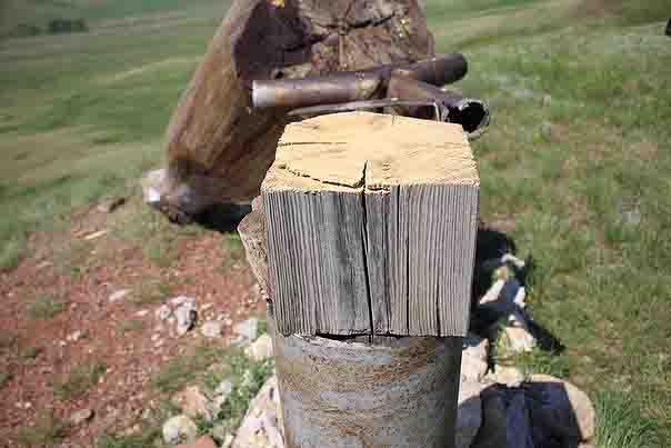"""6nksujkvj4 В Башкирии исламисты спилили поклонный крест и скульптуру """"Труженица тыла"""" Антитеррор Башкирия Люди, факты, мнения"""