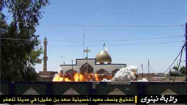 """igil-razrushaet-mecheti-7 ИГИЛ разрушает мечети """"неправильных"""" мусульман Ислам в России Люди, факты, мнения"""