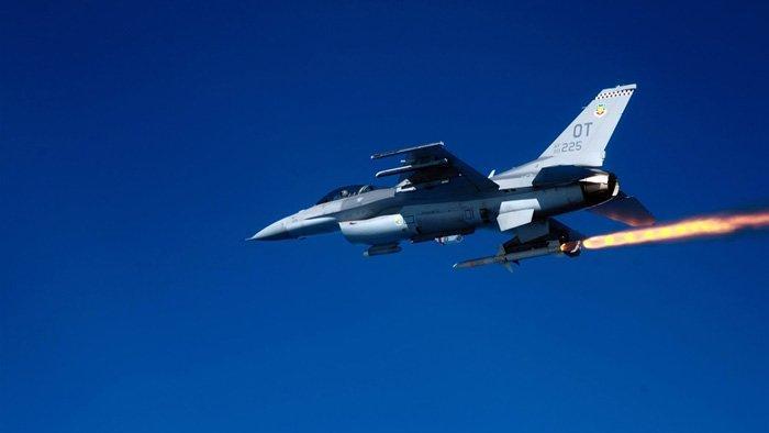 45234632636 Спутники и американские самолеты АВАКС участвовали в атаке на Су-24 Люди, факты, мнения
