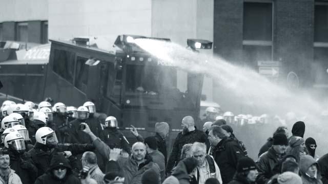 8758649879 Митинг в Кельне против исламизации Европы Антитеррор Люди, факты, мнения