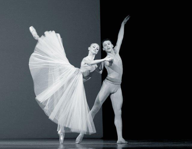 permskij-balet-serenada Пермская балетная труппа начинает гастроли во Франции Люди, факты, мнения Пермский край