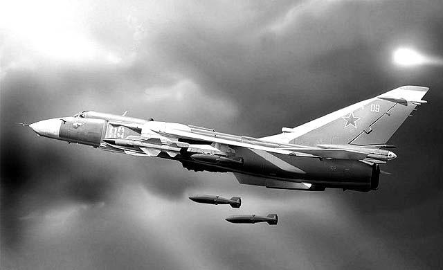32352456436 Военная авиация начала прицельное бомбометание в центральных районах России Люди, факты, мнения