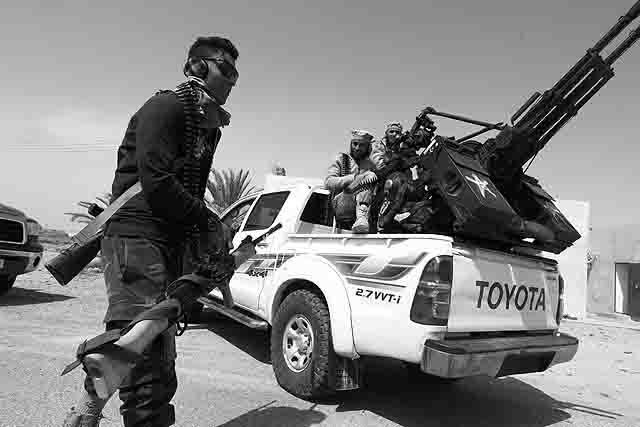 fighters-prepare-attacks-on-is-near-sirte ИГИЛ закупает автомобили Toyota в России Антитеррор Люди, факты, мнения