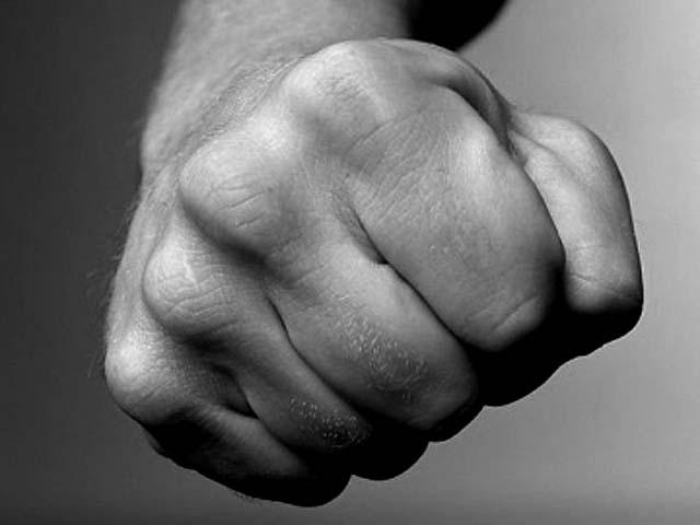 4235356 Избиение инвалида охранниками аптеки в Уфе, видео Башкирия Люди, факты, мнения