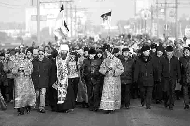457748 Крестный ход в Челябинске Православие Челябинская область