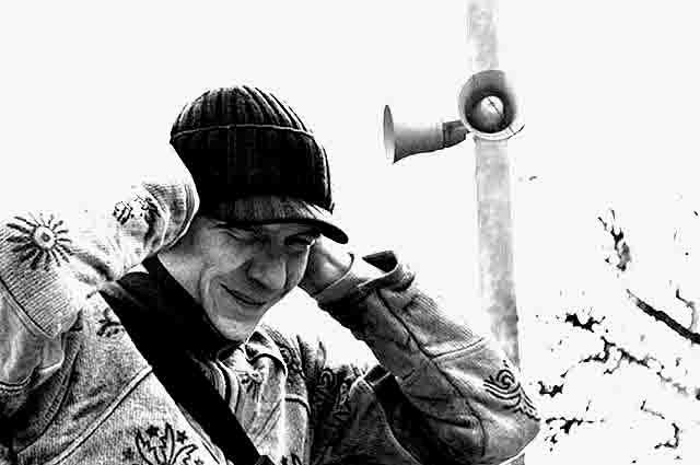55656 Кто-то встает с петухами, а в Екатеринбурге - от воя сирен Люди, факты, мнения Свердловская область