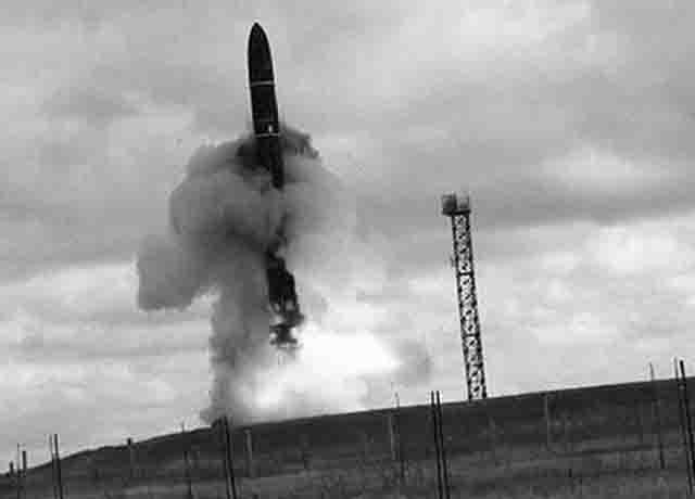 6363622 В ракетном центре Миасса (Челябинская область) прошло совещание под председательством Владимира Путина Защита Отечества Челябинская область