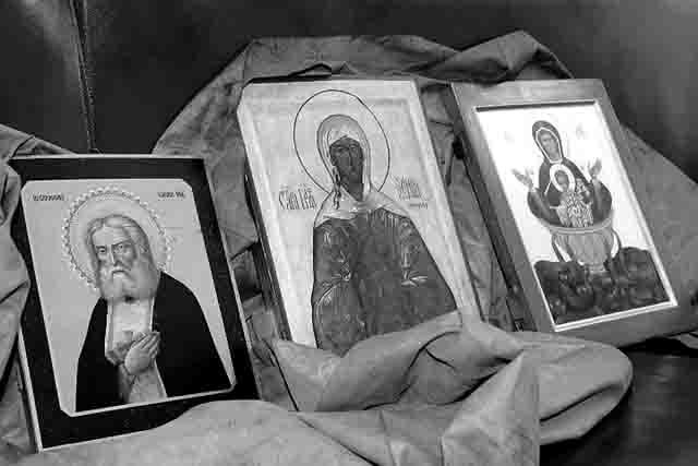 67969 Конфискованные иконы передали Самарской епархии Православие Самарская область