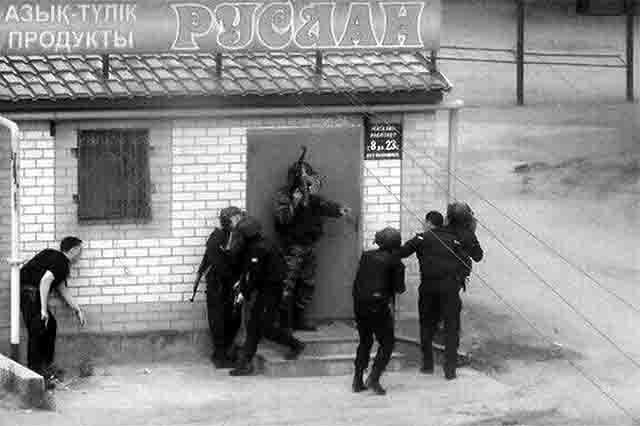 6859 Службы безопасности проводят аресты и задержания на границе Казахстана с Оренбургской областью Антитеррор Оренбургская область