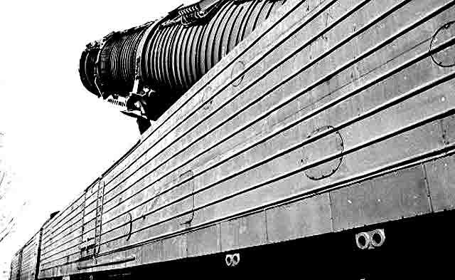 8899 Ракетный поезд -действительно ли Россия прекратила его разработку? Анализ - прогноз Защита Отечества Люди, факты, мнения
