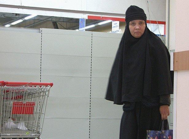 SH105486_2 Монахиня в торговом центре Блог Сергея Синенко Православие