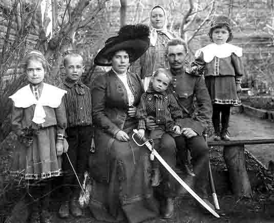 08888676 В Самаре сравнивают, чем традиционная семья отличается от современной Анализ - прогноз Самарская область