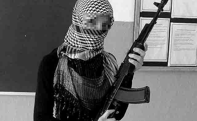 646464646 Село Белозерье в Мордовии - ученицы в хиджабах с автоматами у школьной доски Ислам Люди, факты, мнения