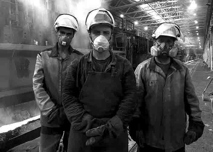99900000 Почему увольняют металлургов в Верхнем Уфалее? Люди, факты, мнения Свердловская область Челябинская область Экономика и финансы