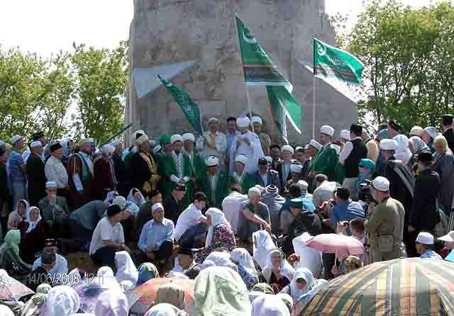 HPIM0391-22 Что означают символы и надписи на флаге уфимского ЦДУМ? Башкирия Ислам