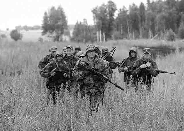 Армейский спецназ проводит учения под Самарой и Оренбургом