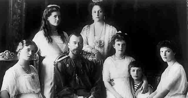 4444 В Екатеринбургской епархии будут бороться с лживыми мифами о жизни царской семьи Православие Свердловская область
