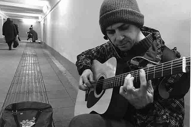 4 Музыканты в подземных переходах Самары Люди, факты, мнения Самарская область