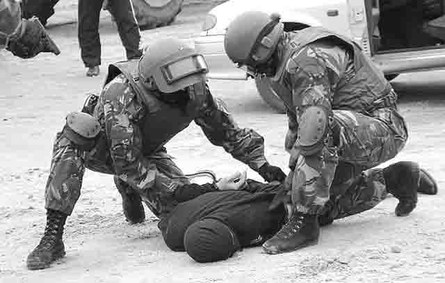 33334444 Сотрудники ФСБ задержали трёх членов Исламского государства, готовивших теракты Антитеррор