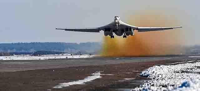 """tu-160-vzletaet Являются ли российские Ту-160 """"музейными экспонатами""""? Люди, факты, мнения"""