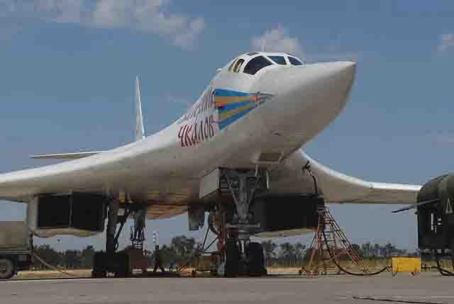 """tu-160 Являются ли российские Ту-160 """"музейными экспонатами""""? Люди, факты, мнения"""