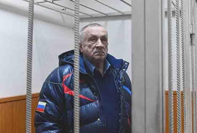 byvshij-glava-udmurtii-aleksandr-solovev-v-basmannom-sude Крупные региональные чиновники под судом и следствием Анализ - прогноз