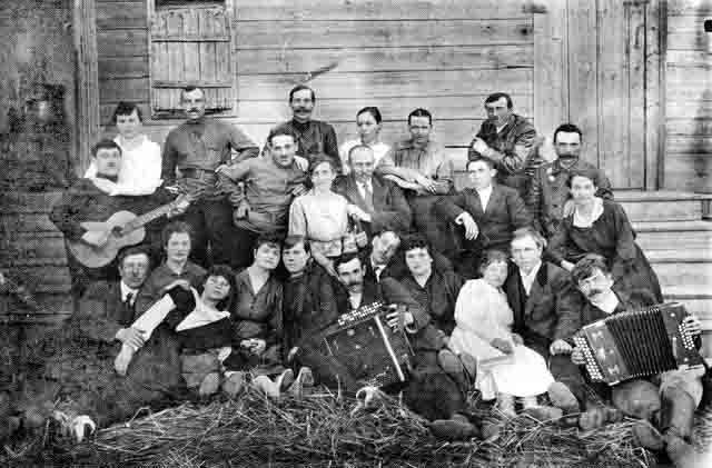gruppa-rabochih-zavoda-ushkova-1916 Город Чапаевск (Самарская область) Посреди РУ Самарская область