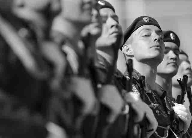 soldaty-rossijskoj-armii Глобальное изменение военной стратегии России Защита Отечества