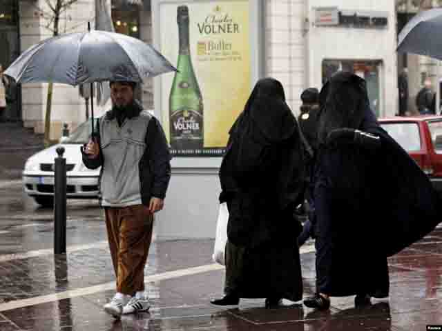 musulmane-francija-1 Как Франция сталасамой опасной страной Европы Антитеррор