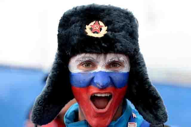 russkij-flag-narisovan-na-lice Экономика России 2019 года (взгляд из Европы) Анализ - прогноз Экономика и финансы